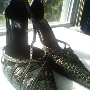 Carlos Santana snake green heels